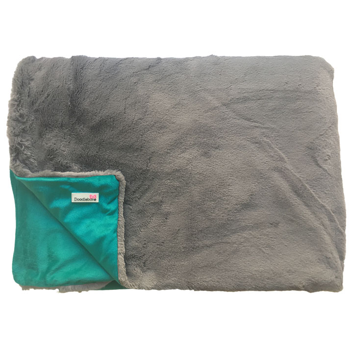 Luxusní měkká deka Doodlebone Blue-Green pro psy pre psov