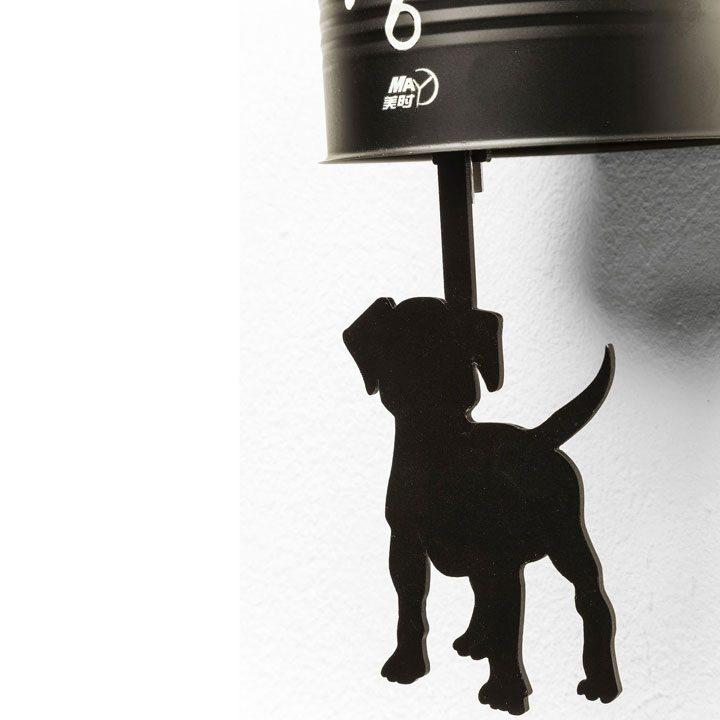 Nástěnné hodiny Tin Dog dekorace do kuchyně jídelny pes