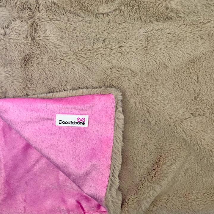 Doodlebone Extra-měkká luxusní deka pro psy Pink